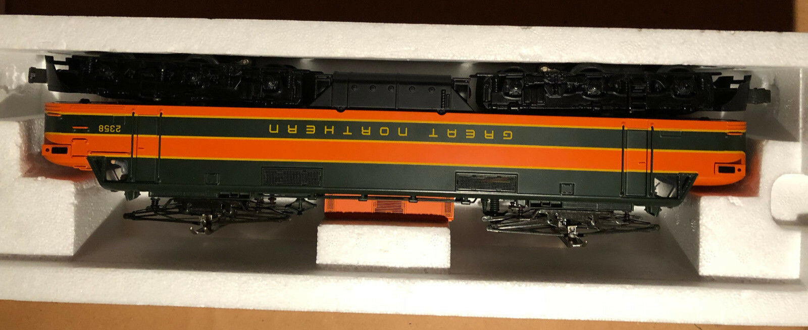 Scale EP-5 Electric Engine w Prossoo Cab 2358 Great Northern Item 20-2196-1