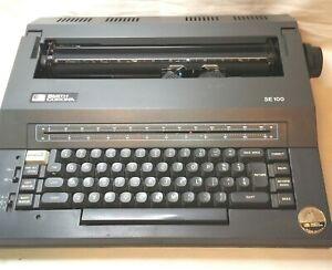 Smith Corona SE100 Electronic Typewriter with Case and it works