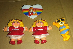 Lot-of-Girl-Child-039-s-Barettes-Cabbage-Patch-Dolls-Orphan-Annie-Bikini-Bear-Cute