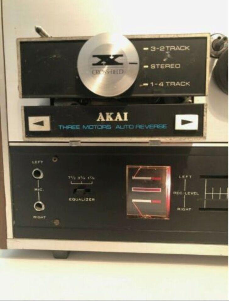 Spolebåndoptager, Akai, X200D