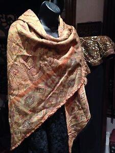 Vintage-Italian-Paisley-Wool-Triangle-Shawl-Wrap-Scarf