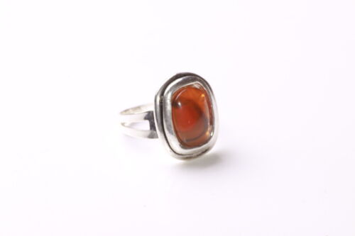 Charming /& Luxurious Siena Orange Centred Stone One Size Fits All Ring Zx76