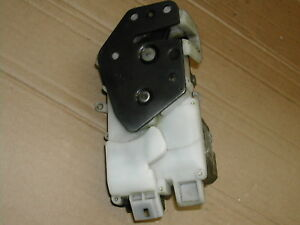 Rover-200-95-99-N-S-Front-door-lock-catch-latch