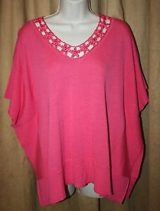 NEW-Cable-amp-Gauge-Hot-Pink-Knit-Poncho-Size-S-or-M-Crochet-V-Neck-Ribbed-Trim