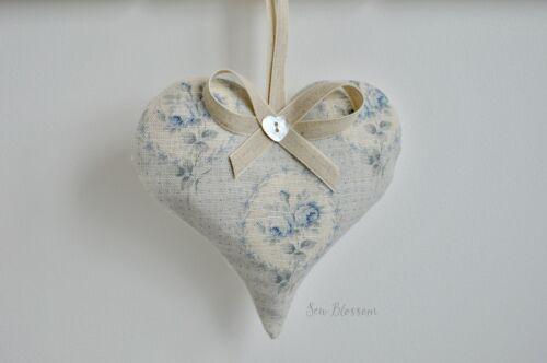 1 Sarah Hardaker bleu délavé Delfine Tissu Lavande Filled Heart roses Cameo