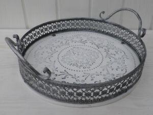 deko tablett romantica rund 28 cm wei metallrand grau shabby chic landhaus stil ebay. Black Bedroom Furniture Sets. Home Design Ideas
