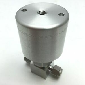 Swagelok-SS-HBS4-C-Nupro-High-Purity-Bellows-Sealed-Valve-1-4-034-Compression