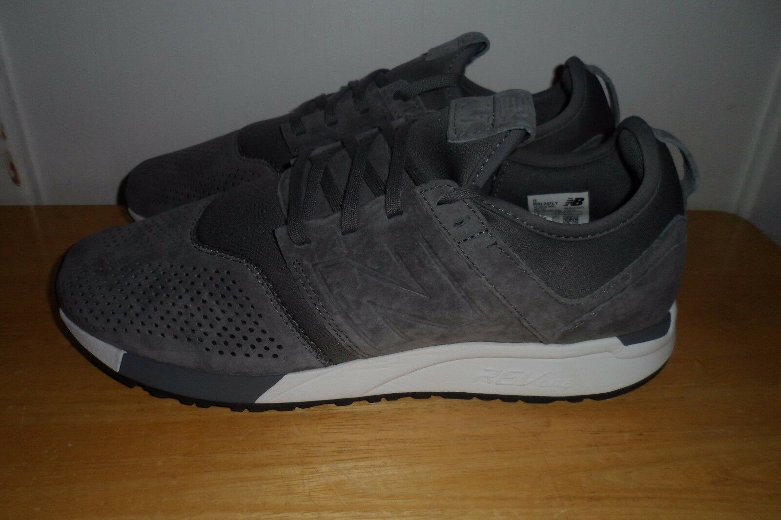 MUST SEE FABULOUS NEW BALANCE 247 SUEDE GREY Uomo 9 D EEUC LN TRIED ON ONLY
