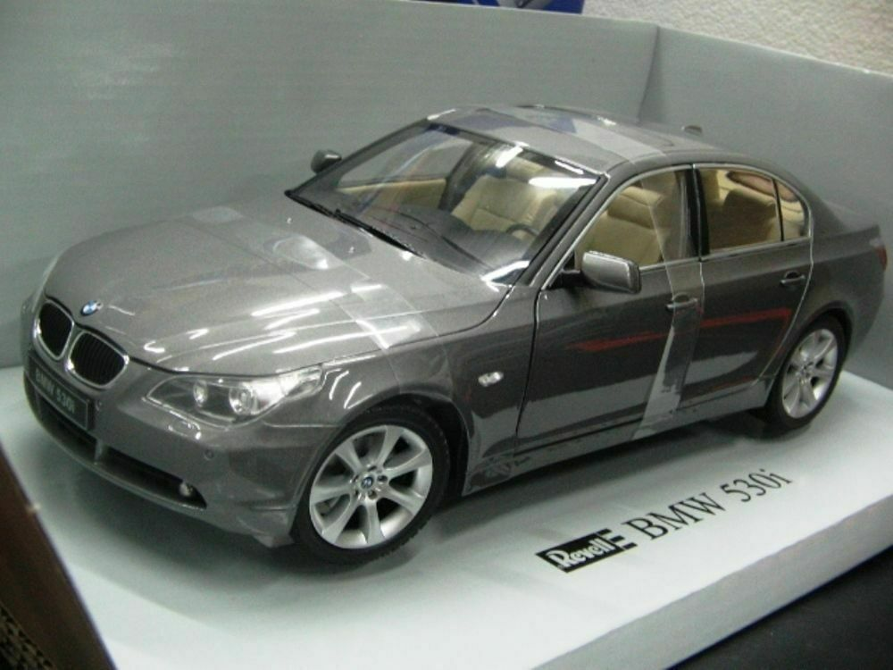 WOW EXTREMELY RARE BMW E60 530i 231HP 2003  Grey met 1 18 Revell-Auto Atr M3 M5