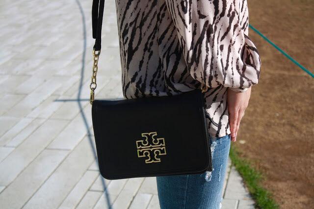 729a8de09cd Tory Burch Britten Combo Crossbody Black Bag Leather Logo Handbag for sale  online