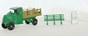 Vintage-Lead-TOOTSIETOY-TRUCK-MINATOY-BENCH-PAPER-BIN-Toys-Made-in-USA