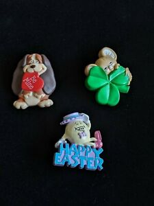 Lot-Of-3-Vintage-Hallmark-Holiday-Pins-Easter-Valentine-039-s-St-Patrick-039-s-Day