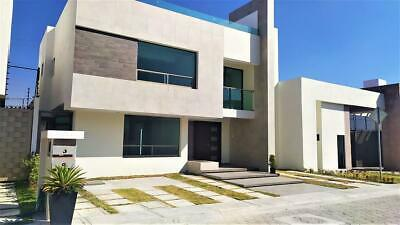 Casa en condominio - Metepec.