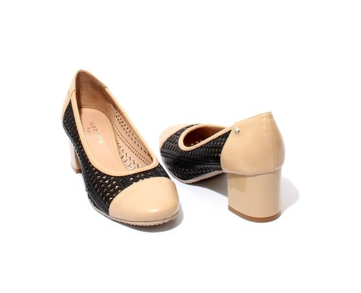 Isabelle 173b Black Beige Perforated Leather Heel Heel Heel Round Toe Pumps 38   US 8 457289