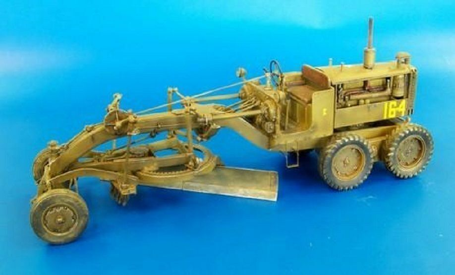 PLUS MODEL COMPLETE KIT U.S.MOTOR GRADER Scala 1 35 Cod.PL426