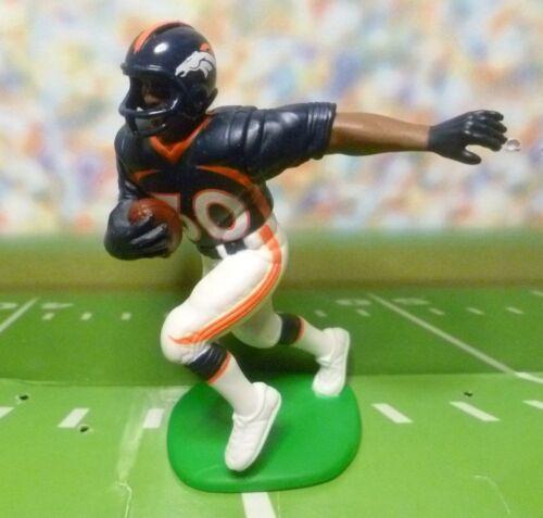 Starting Lineup -SLU Loose Figurine Denver Broncos 2000  TERRELL DAVIS