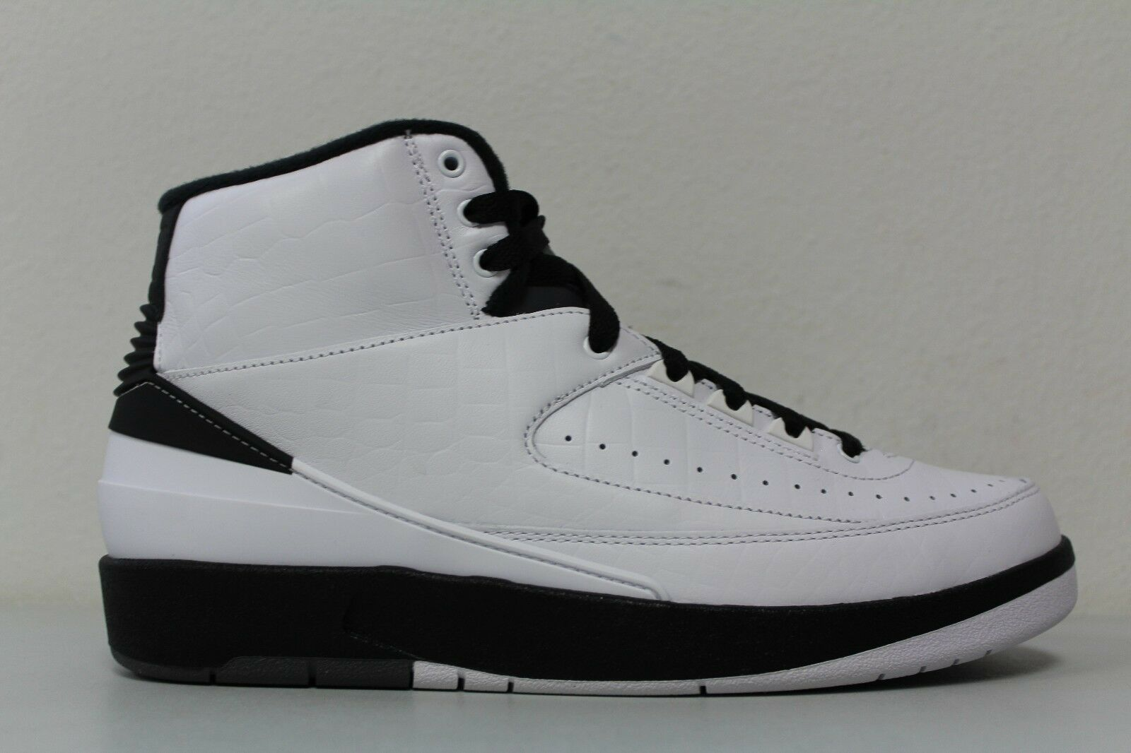 Nike Mens Air Jordan 2 White II Retro Wing It White 2 Black 834272-103 Size 8 351375