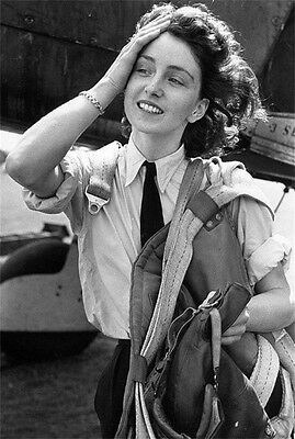 WWII Photo Female Pilot British Air Transport Aux 1944 WW2 World War B/&W 1314