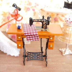 Puppenhaus-Miniatur-1-12-Mini-Moebel-Naehmaschine-mit-Puppenstube-Stoff-Z0X9