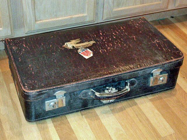 1920's Well-Traveled Crocodile (or Alligator) Pelle Suitcase