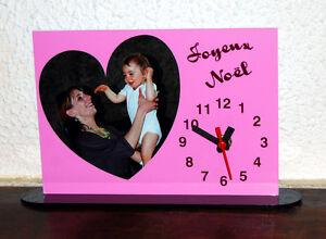 Horloge-de-bureau-personnalisee-1-coeur-photo-sur-fond-couleur-rose-avec-texte