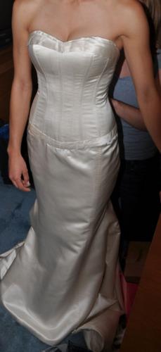 2009 Designer Sample Wedding Dress - Elizabeth Fil