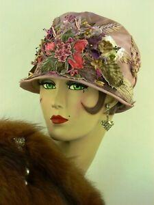 VINTAGE-HAT-1920-S-Orig-une-tres-rare-cloche-en-Pale-Mauve-W-Velvet-Floral-Front
