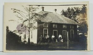 Rppc-Family-Posing-in-Front-of-Home-Clarion-Iowa-Estate-Photo-or-Postcard-N16