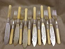 Antico Vittoriano Posate Set MUCCA bovino Ossa Manico coltelli forchette posate vintage