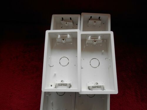 10-cliquez sur 2-Gang 35 mm deep Blanc Sec Doublure Pattress Box Boîte de 10 WA088P