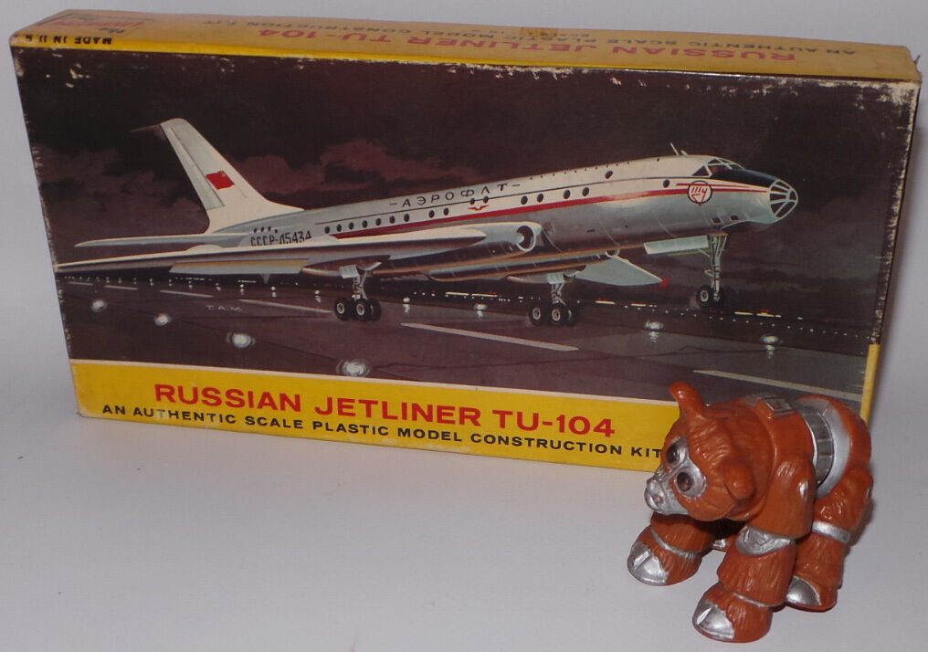 AVIATION   RUSSIAN JETLINER TU-104 PLASTIC MODEL KIT BY LINDBERG. REF  413