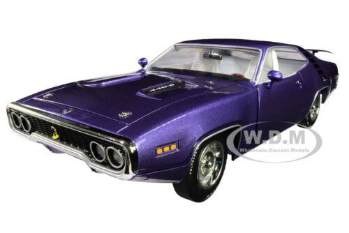 1971 PLYMOUTH ROAD RUNNER 440+6 IN VIOLET MCACN 1//18 DIECAST AUTOWORLD AMM1182
