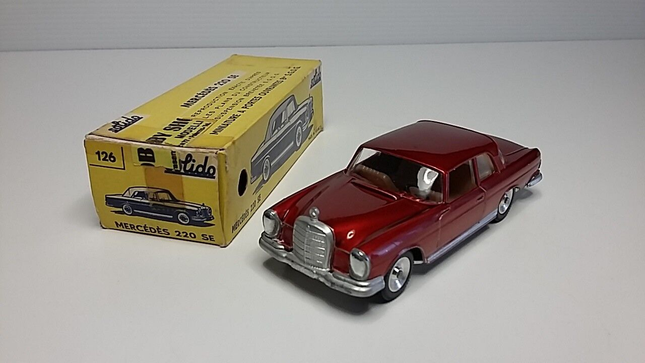 1 43 SOLIDO 126 MERCEDES BENZ 220 SE