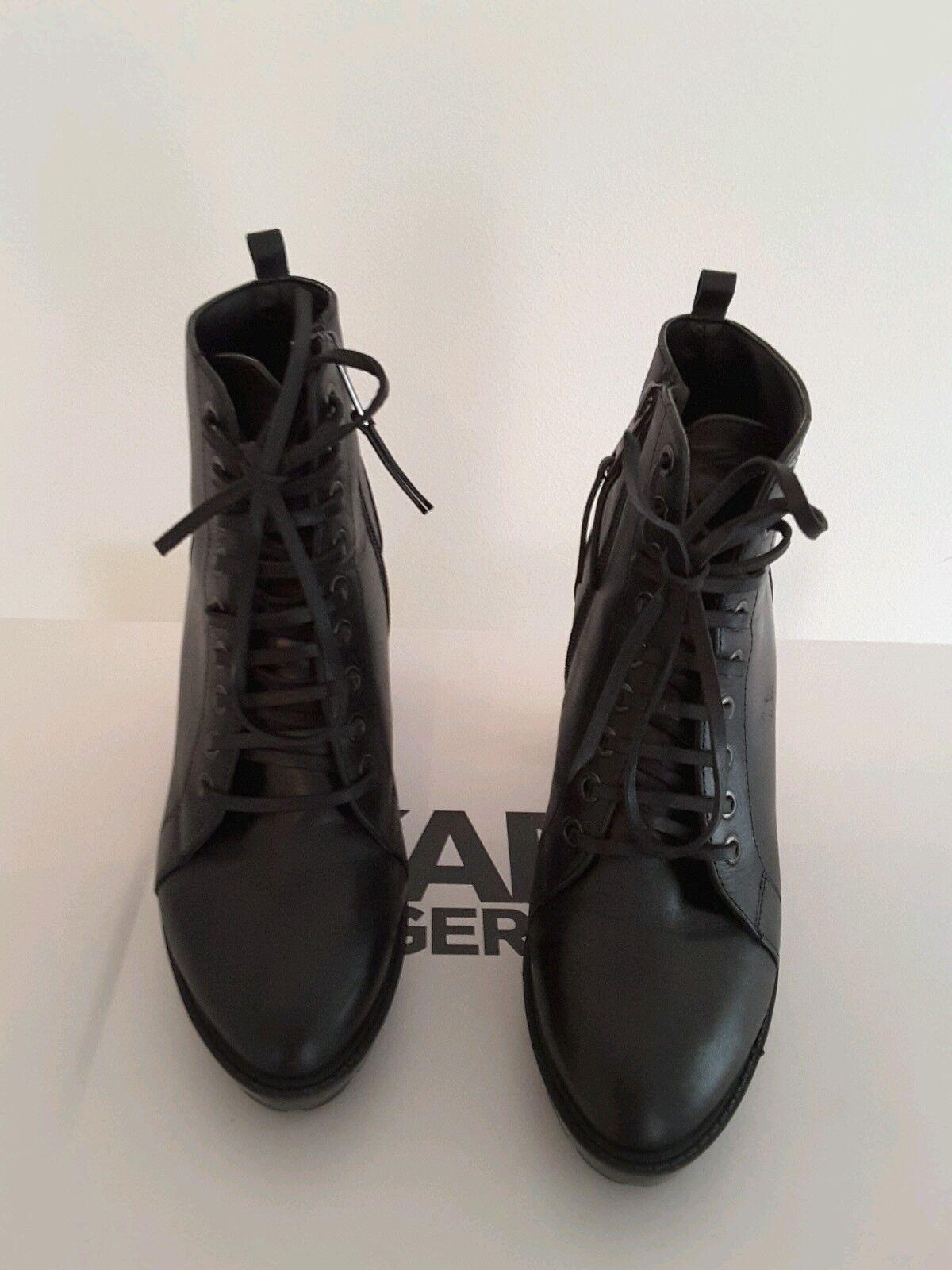 Karl Lagerfeld - Ankle Stiefel der Superlativen