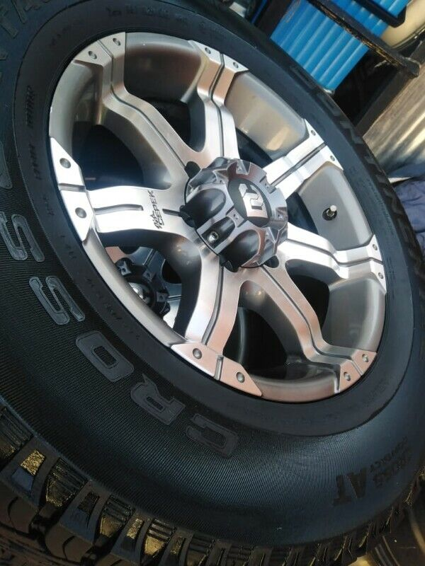 """17"""" Ford Ranger,Isuzu and Toyota hilux/Fortuner mags with used 265/65/17 tyres set for R8599."""