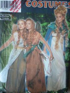 Semplicit/à 3809 modelli di cucito per Renaissance costumi donna