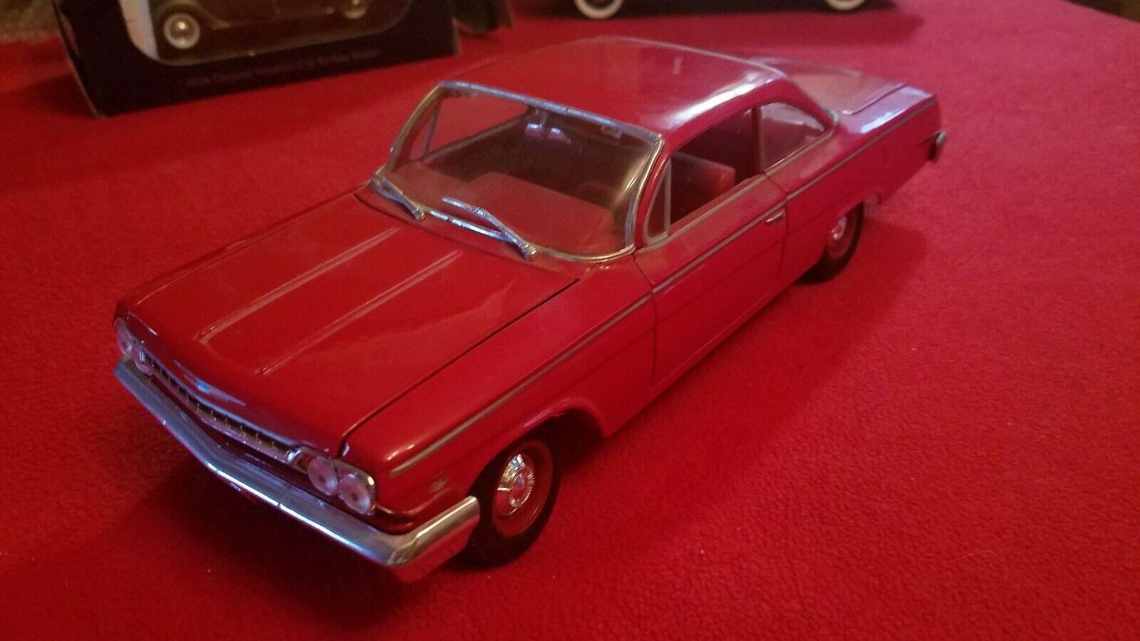 NICE   MAISTO MAISTO MAISTO DIECAST RED 1962 CHEVROLET BEL AIR 1 18 SCALE   8f7c5b