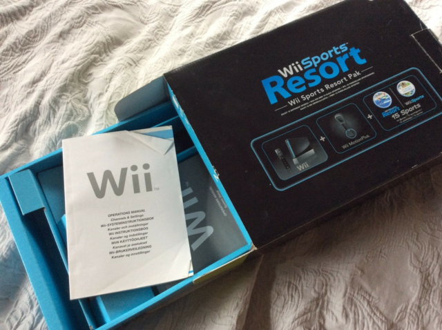 Nintendo Wii, Wiki Sports Resort pakke, God, Der medfølger:…