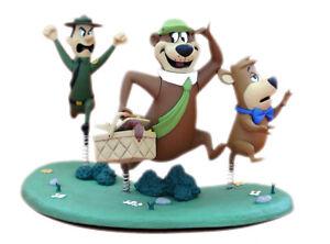 McFarlane-Toys-6-034-Hanna-Barbera-Series-2-Yogi-Bear-with-Boo-Boo-amp-Ranger-Smith