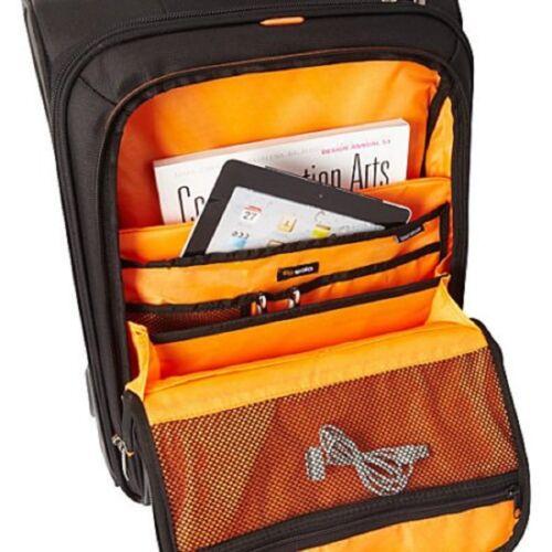 "MacBook Pro Black Overnight Wheeled Carrry On Travel Bag New Solo 15.6/"" Laptop"