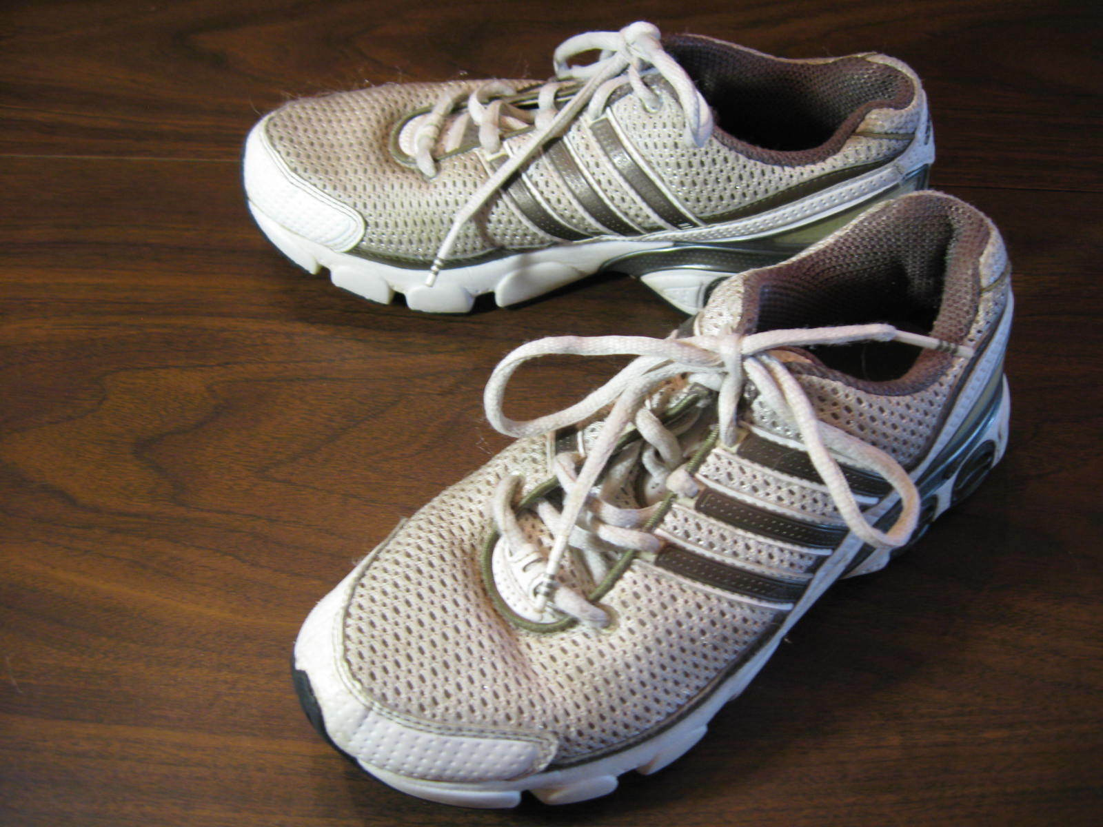 Adidas Adiprene Adiwear blanc argent Course Entraînehommest chaussures femmes