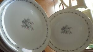 Seyei Fine China Dinner Plates Japan Teresa service 6 #3536 EUC platinum trim