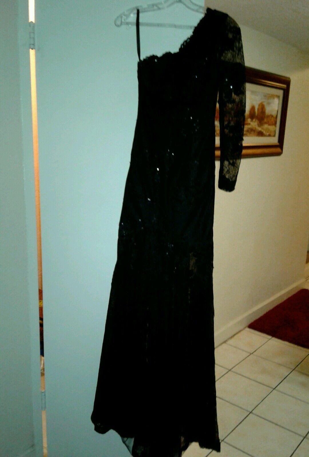 Women Black Ball Gown - image 3
