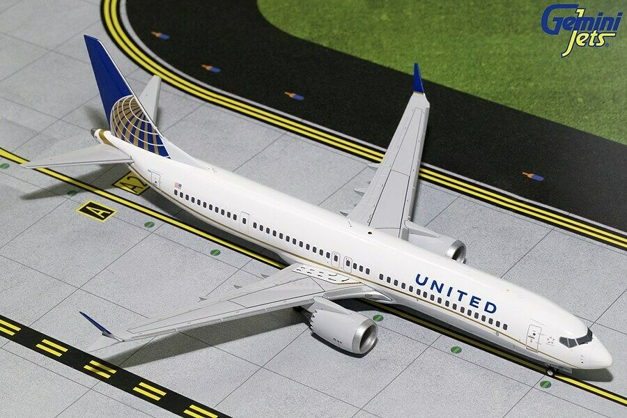 United Boeing 737 Max-9 N67501 Current 1 200 scale diecast GeminiJets