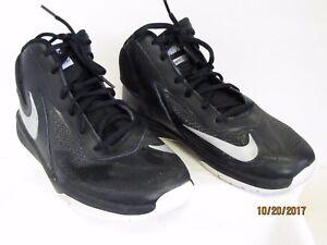 95f01b63507 EUC Nike Team Hustle D7 747998-001 Boys Youth Black   Silver ...