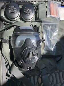 Avon-M50-Gas-Mask-Air-Purifying-Respirator-Kit-MEDIUM-With-FTO-Filters-case
