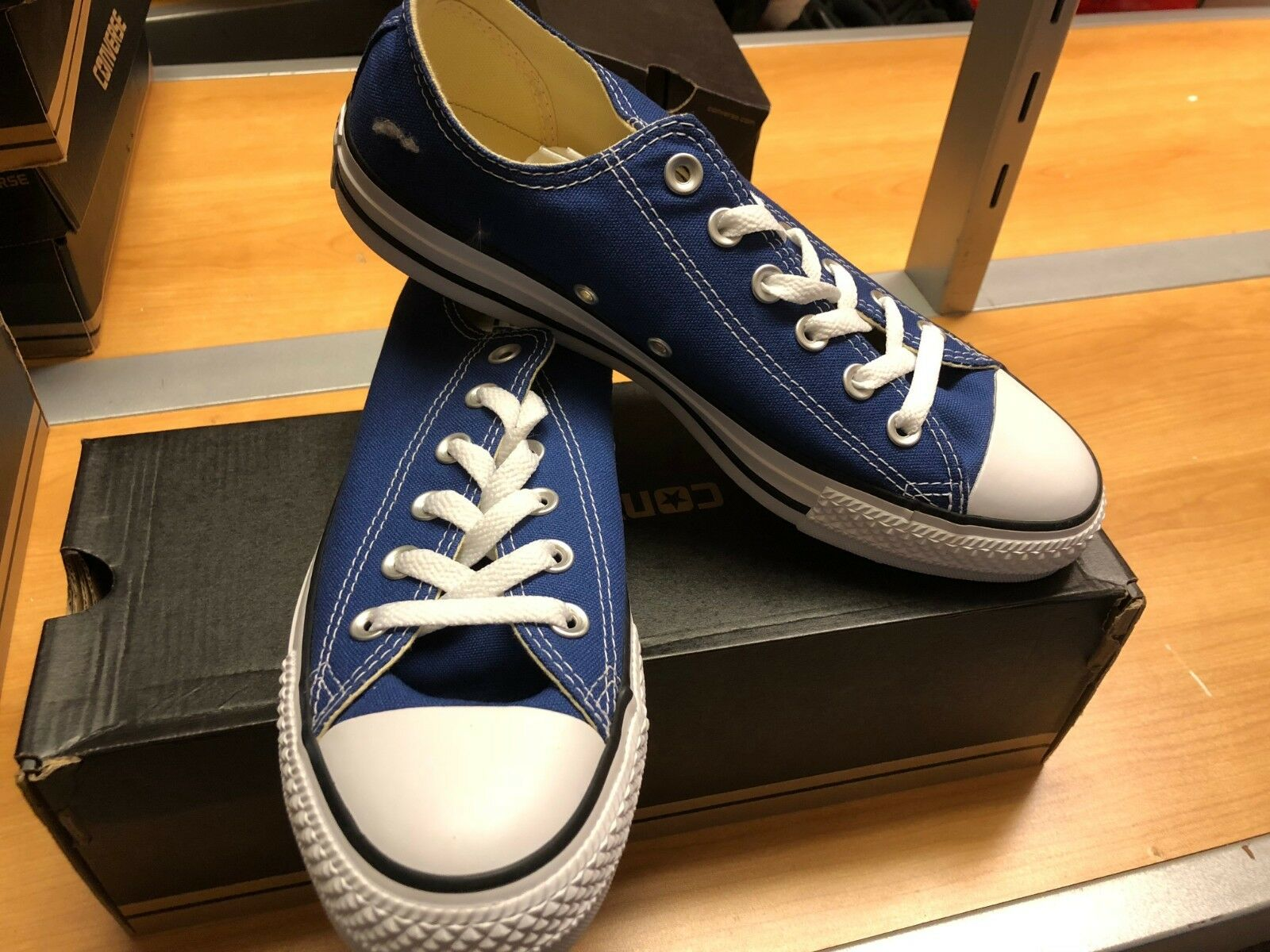 Converse Chuck Taylor ALL STAR Low Top Roadtrip blue  Brand New in Original Box