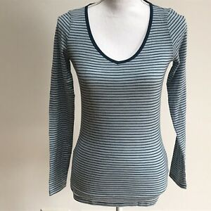 91f2304738105 NWT Women s Icebreaker Blue Stripe LS Sweetheart shirt top tee Small ...