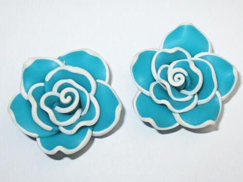 Resin résine fleurs cabochons perles, 30x18, turquoise/blanc, 2 pcs #k202