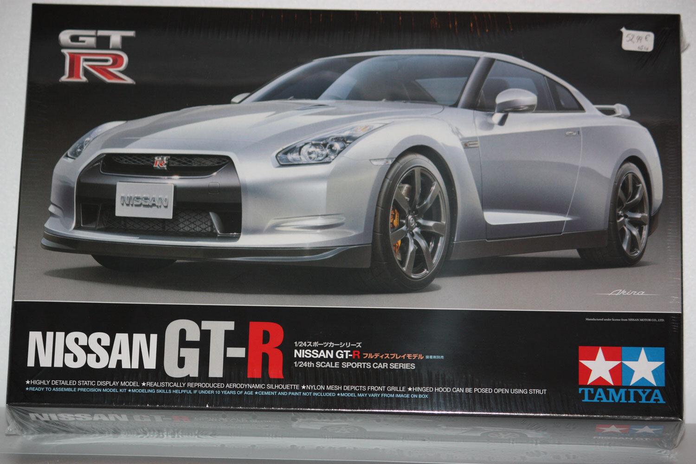 Tamiya Nissan GT-R 1 24 24300